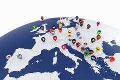 与国旗地点别针的欧洲地图 免版税图库摄影