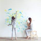 儿童绘画墙壁 库存照片