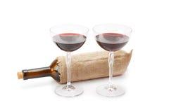 Μπουκάλι του κρασιού και των γυαλιών με το κόκκινο κρασί Στοκ φωτογραφία με δικαίωμα ελεύθερης χρήσης