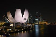 晚上新加坡 免版税库存图片