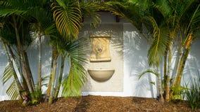 狮子顶头喷泉 库存照片