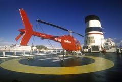 在游轮马可・波罗,南极洲着陆架的直升机  免版税库存照片