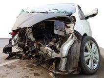 Белый поврежденный автомобиль Стоковая Фотография RF
