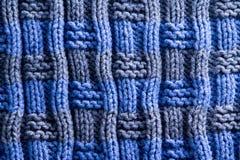 与垂直的里奇线的自创被编织的钩针编织 库存图片