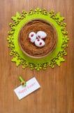 Αυγά Πάσχας σε μια φωλιά Στοκ φωτογραφία με δικαίωμα ελεύθερης χρήσης