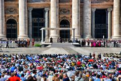 圣彼得广场的教皇 库存照片