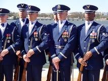 Άτομα ομάδας τρυπανιών φρουράς τιμής Πολεμικής Αεροπορίας των Η.Π.Α. Στοκ φωτογραφία με δικαίωμα ελεύθερης χρήσης