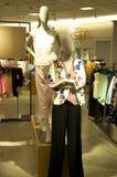 Λεωφόρος καταστημάτων μόδας γυναικών Στοκ Εικόνες