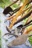 Παλαιά παλαιά εργαλεία καλλιέργειας Στοκ Φωτογραφίες
