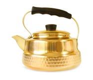 Медный чайник на белой предпосылке Стоковая Фотография