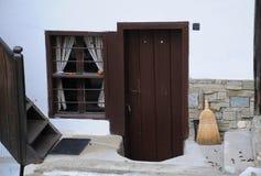Μέτωπο του του χωριού σπιτιού Στοκ φωτογραφία με δικαίωμα ελεύθερης χρήσης
