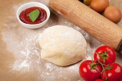 Пицца варя ингридиенты Стоковое Изображение RF