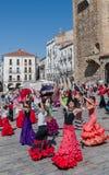 妇女和儿童佛拉明柯舞曲舞蹈节日西班牙 免版税图库摄影