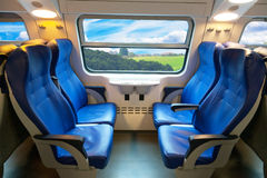 长途消息的火车的汽车 库存图片
