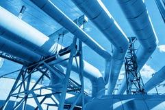 Трубы на термальной эклектичной электростанции Промышленность Стоковые Изображения RF