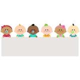 拿着水平的空白的横幅的小组婴孩 库存图片