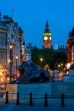 从特拉法加广场看见的大本钟在伦敦,英国 图库摄影
