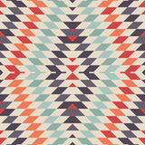 时髦的无缝的纺织品设计的传染媒介部族样式 库存图片