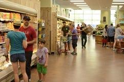 超级市场走道视图 图库摄影