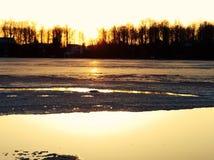 Озеро заход солнца Стоковое Изображение