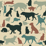 Εκλεκτής ποιότητας άνευ ραφής υπόβαθρο με τις σκιαγραφίες γατών και σκυλιών Στοκ Εικόνες