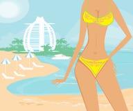 美丽的女孩一个热带假期 免版税库存图片