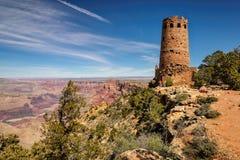 在沙漠视图的大峡谷城楼俯视 免版税库存图片