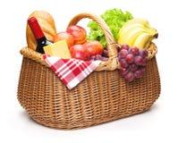 Καλάθι πικ-νίκ με τα τρόφιμα Στοκ Φωτογραφία