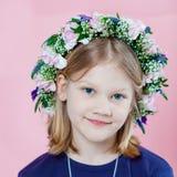 Портрет девушки с гирляндой Стоковая Фотография