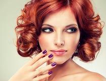 女孩头发的相当红色 免版税图库摄影
