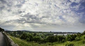 νεφελώδεις ουρανοί Στοκ Φωτογραφίες