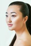 亚洲美丽的纵向妇女年轻人 做自然 免版税库存照片