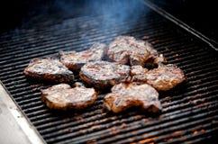 剁烤水多的猪肉 免版税库存图片