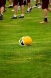 橄榄球盔甲 免版税图库摄影