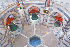 Μέσα στον κλίνοντας πύργο της Πίζας Στοκ φωτογραφία με δικαίωμα ελεύθερης χρήσης
