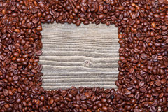 белизна рамки кофе фасолей предпосылки Стоковая Фотография