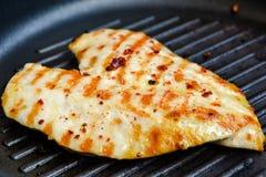 зажженный цыпленок груди Стоковое Фото