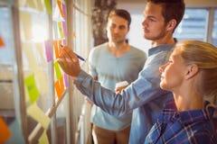 Молодые творческие бизнесмены Стоковое Изображение