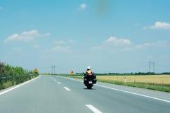 Мотоцикл на высоком пути Стоковые Фото