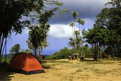 Красный шатер на горе Стоковое фото RF