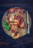 被烘烤的猪肉腿 免版税库存图片