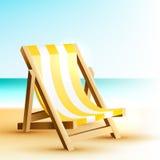 与木海滩睡椅的背景 库存图片