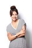 Όμορφο συγκινημένο ευτυχές χαμόγελο γυναικών, νέο ελκυστικό πορτρέτο κοριτσιών Στοκ εικόνα με δικαίωμα ελεύθερης χρήσης