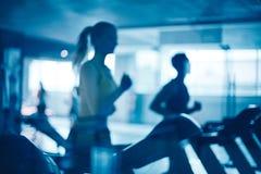 Люди в спортзале Стоковая Фотография