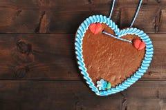 未贴标签的巴法力亚姜饼心脏 免版税图库摄影