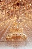 美丽的枝形吊灯水晶 库存图片
