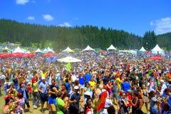 保加利亚全国公平的数千参加者 免版税库存图片