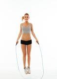 Тренировка женщин фитнеса здоровая в изолированной студии Стоковые Изображения