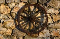 Старое западное колесо фуры Стоковое Фото
