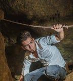 Пещера внутренности мальчика Стоковые Фотографии RF
